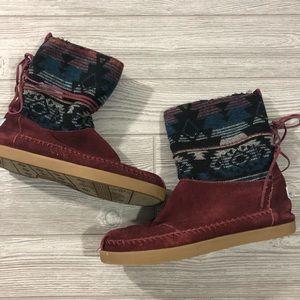 Toms • Aztec Print Boots